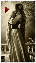 chica de fantasía y paloma
