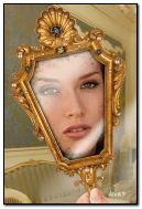 Aynadaki Kız