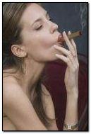 gadis merokok
