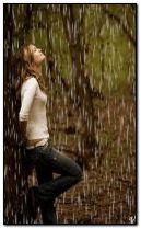สาวในสายฝน