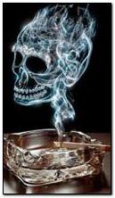 fumée de crâne de cigarette