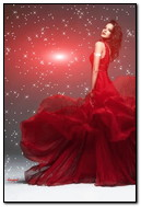 Belle fille en robe rouge