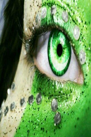 علم العين الملونة