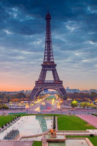 Eiffel-Tower-Paris