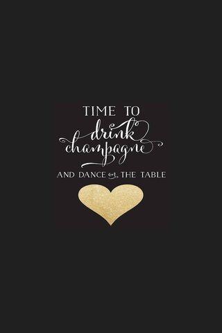 Tarian di atas meja