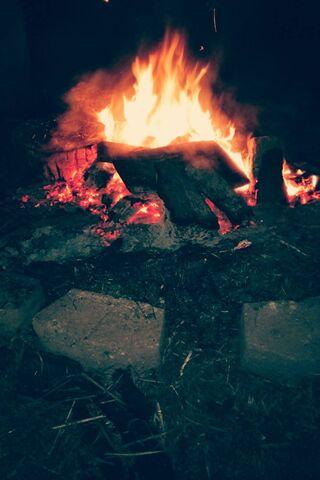 Ogień o północy