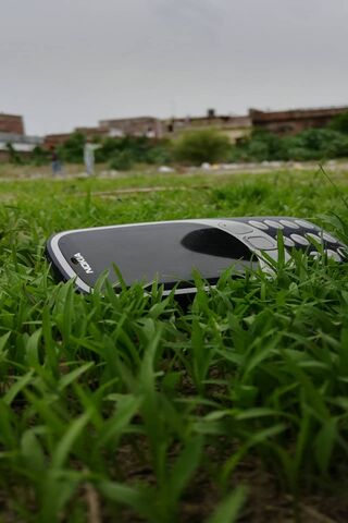 Nokia Vs Green Grass